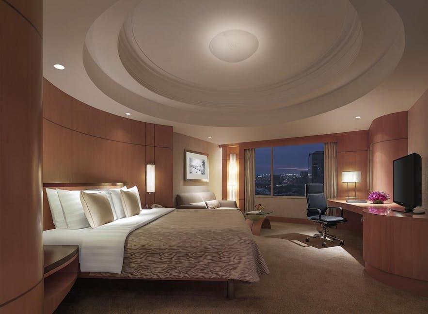 Guest room in Makati Shangri-la Hotel in Manila, Philippines