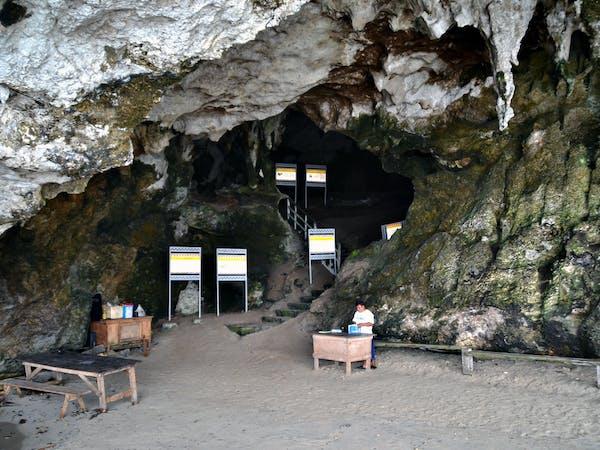 Estranghero Travel and Tours