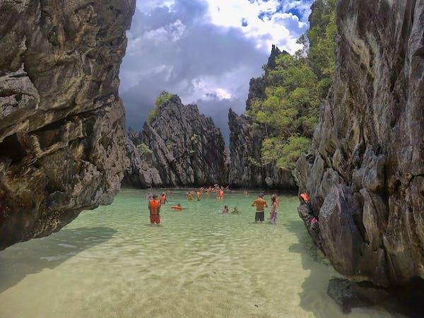 Caera Travel & Tours