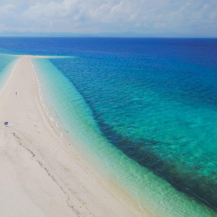 Kalanggaman Sandbar Leyte Day Tour | With Lunch & Boat Transfers