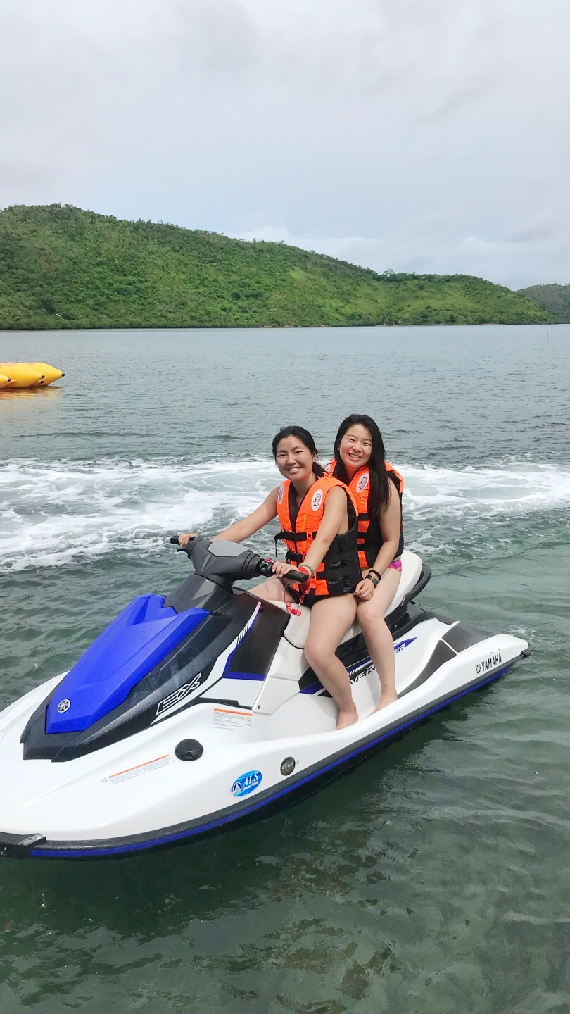 Take your friends on a jet skiing trip in Coron