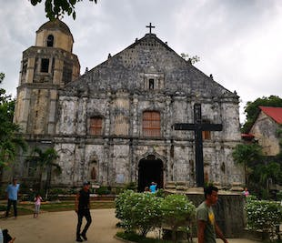 Pangasinan Full-Day Visita Iglesia with lunch and snacks