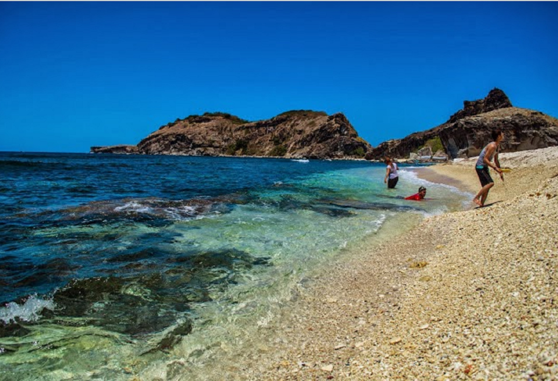 what is the best beach in zambales