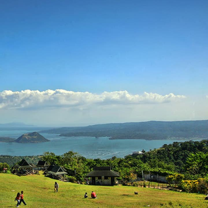 Tagaytay Full-Day Sightseeing | With Transfers from Manila