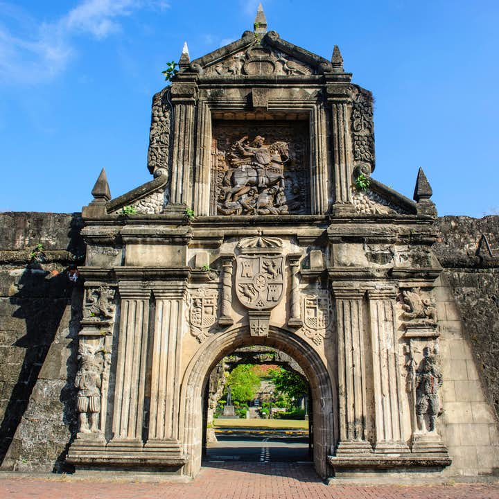 Highlights of Old and New Manila Guided Tour