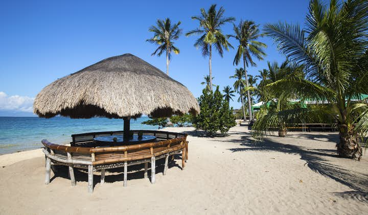 Hut in Cowrie Island in Palawan