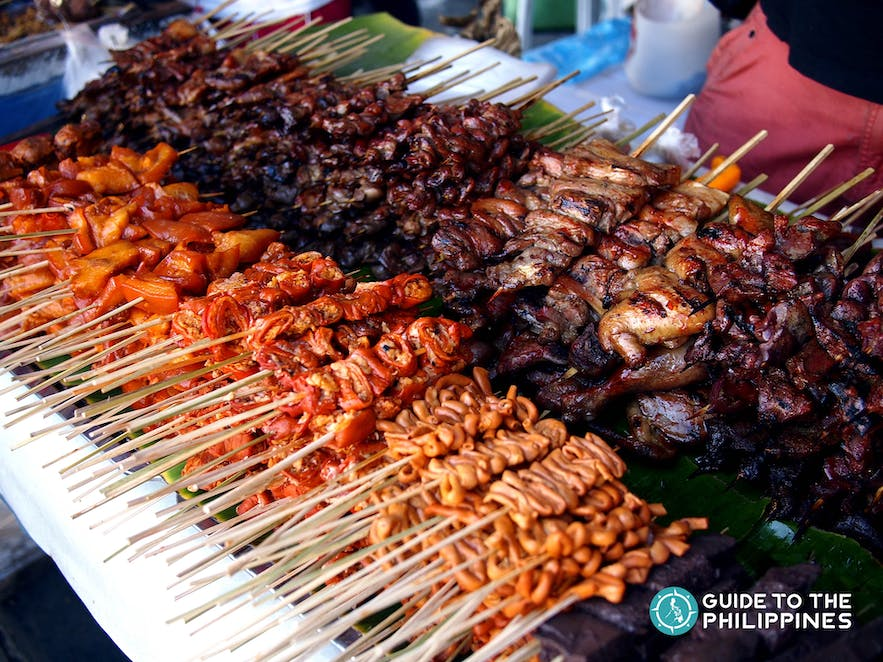Pork barbecue with grilled chicken and pork intestines