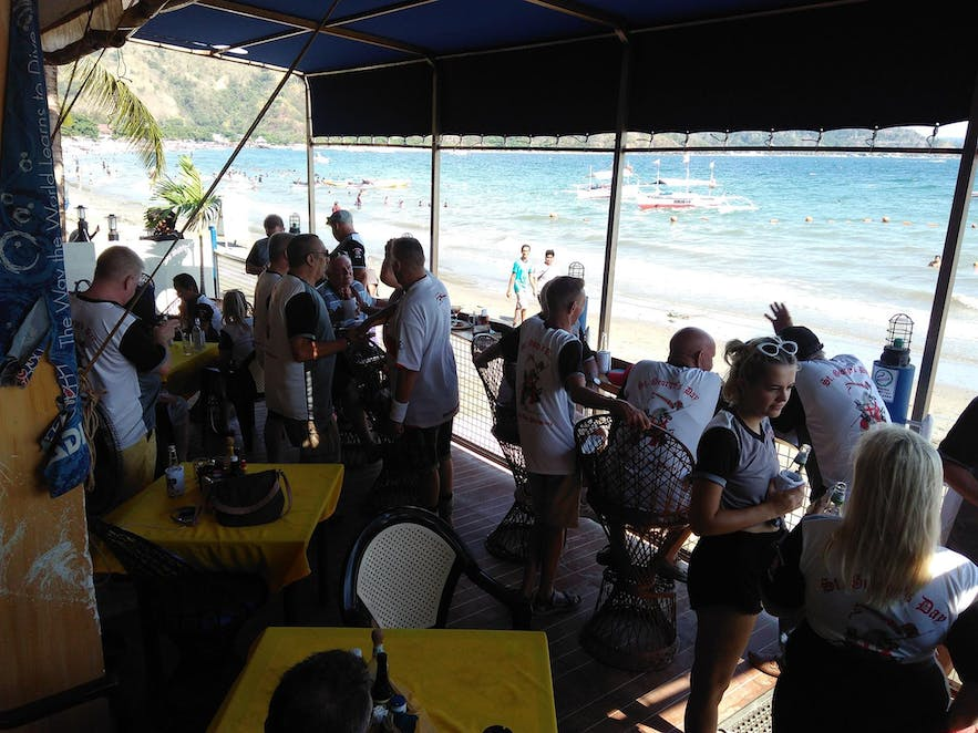 Mango's Beach Bar and Restaurant at lunch time