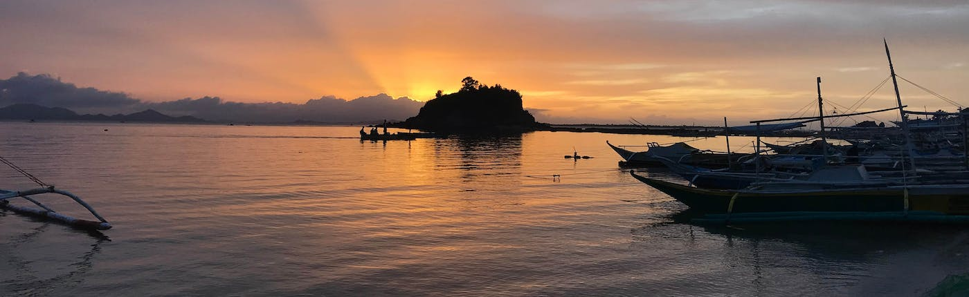 Islas de gigantes during sunset