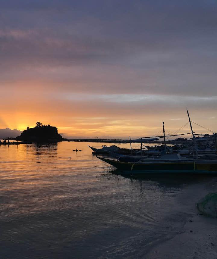 Islas de gigantes during sunset