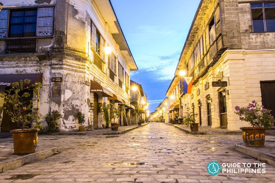 Vigan's famous Calle Crisologo at night