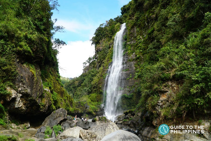 Bomod-ok Falls, also known as Big Falls, is located in Barangay Banga-an, Sagada