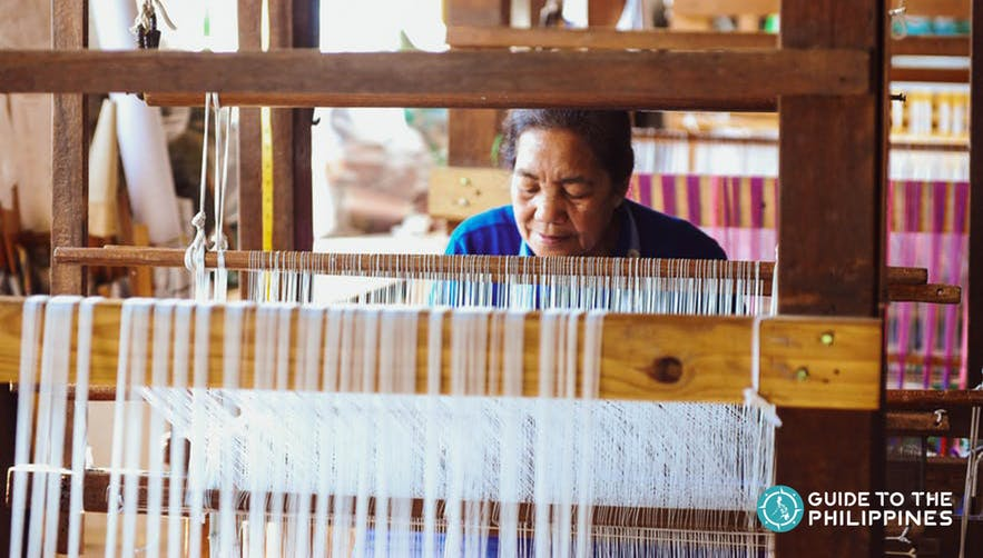 traditional weaving of cloth in baguio