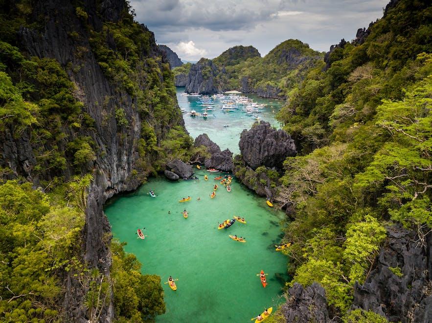 Travelers kayaking in El Nido, Palawan's Small Lagoon