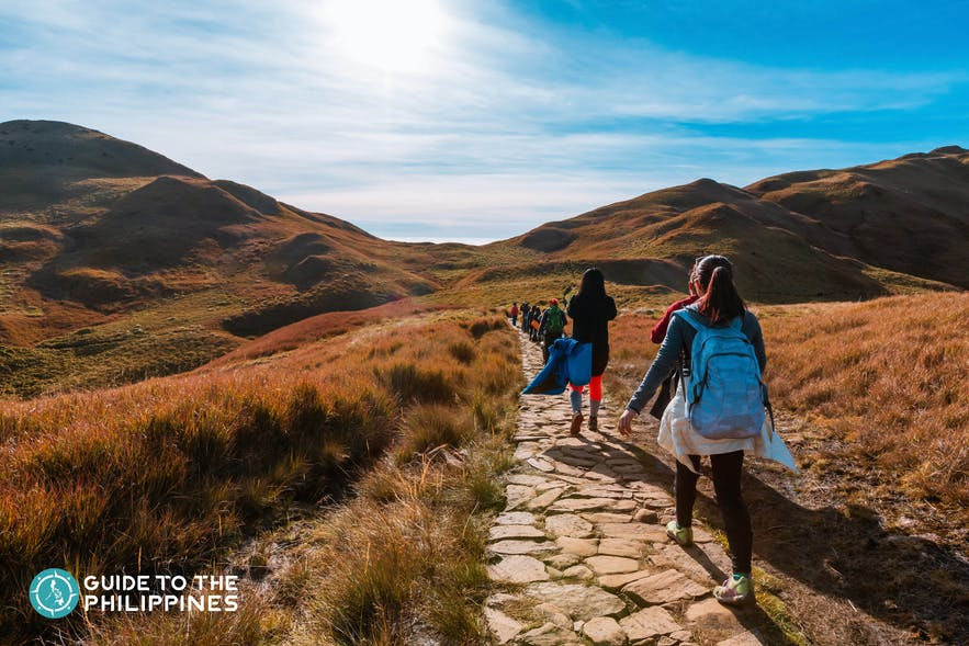 Hikers traverse to Mt. Pulag, Benguet