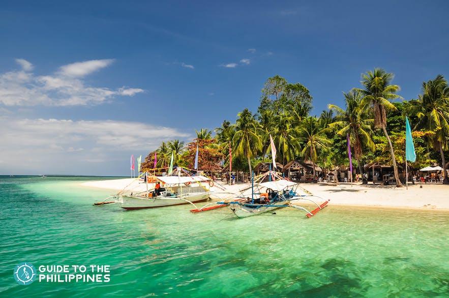 Beach view of Honda Bay in Puerto Princesa