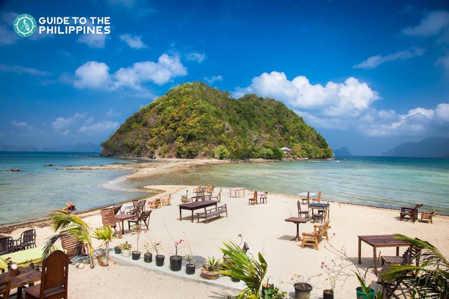 Table set up at Marimegmeg Beach in El Nido, Palawan