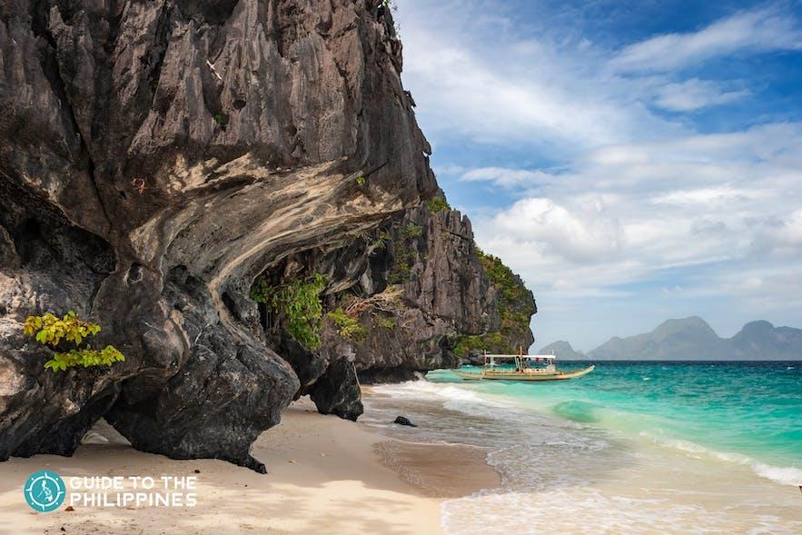 Shores of Entalula Island in El Nido, Palawan