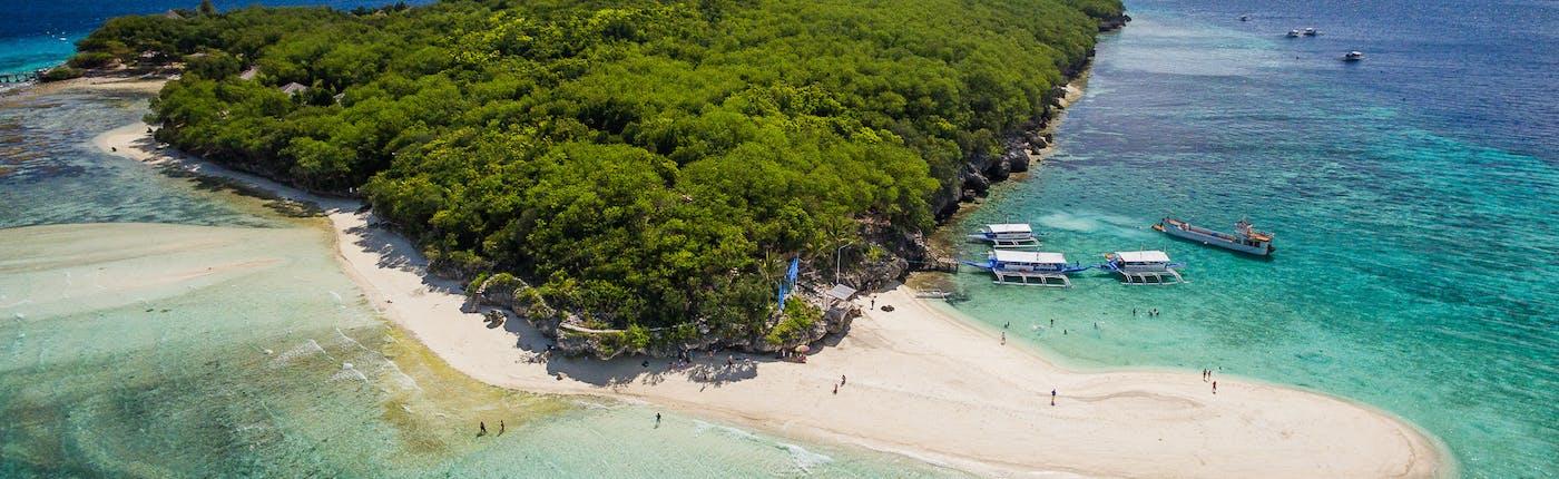 Sumilon Island, in Oslob, Cebu