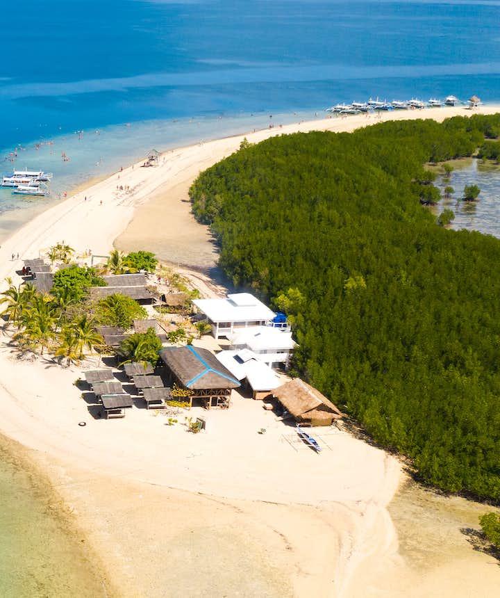 Island hopping at Honda Bay in Palawan