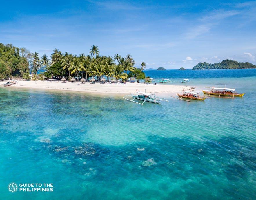 Island hopping in San Vicente, Palawan