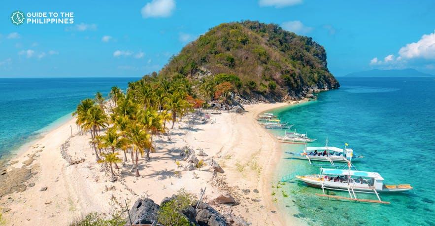Cabugao Gamay Island in Islas de Gigantes, Iloilo