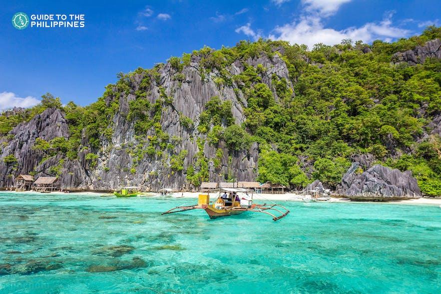 Island hopping in Coron, Palawan Philippines