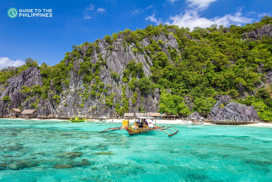 Island hopping in Coron, Palawan Philippines