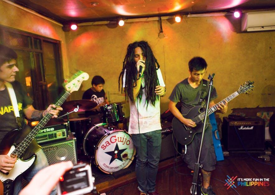 Live band at Saguijo