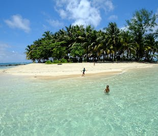 Siargao Tri-Island Hopping with Mam-on Island Day Tour   With Transfers