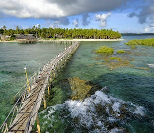 Siargao Island-Hopping Tour with Cloud 9   With Lunch & Transfers