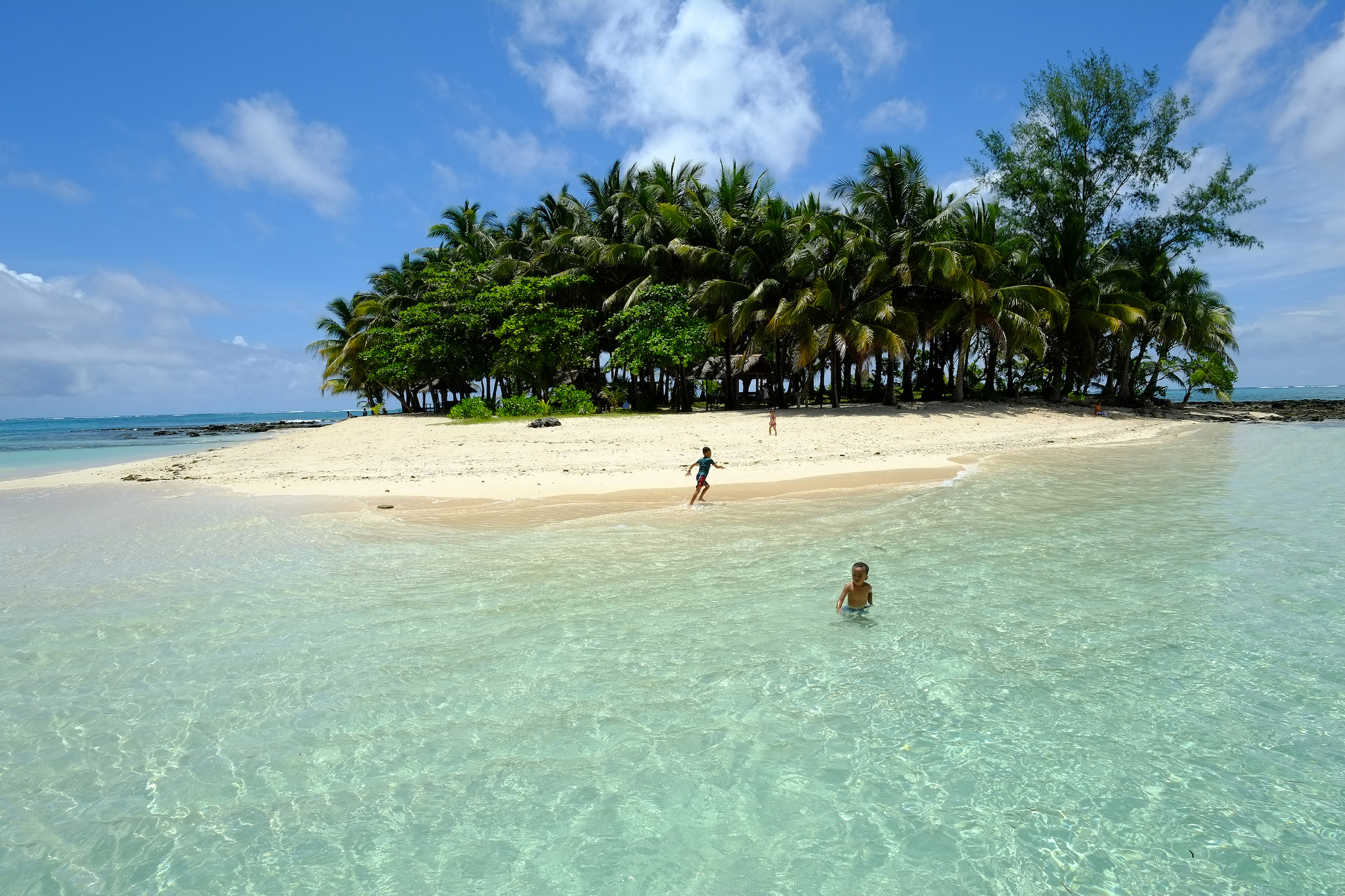 Siargao Island Hopping and Sohoton Cove Day Tour with Transfers