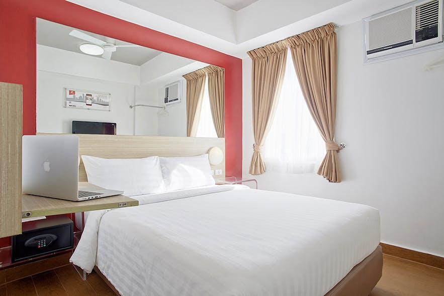 Double Room in Red Planet Angeles City, Pampanga