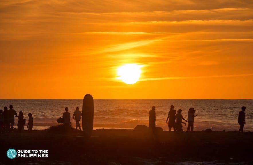 Sunset Surfing, La Union