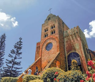 Tagaytay & Fantasy World Day Tour with Transfers from Manila
