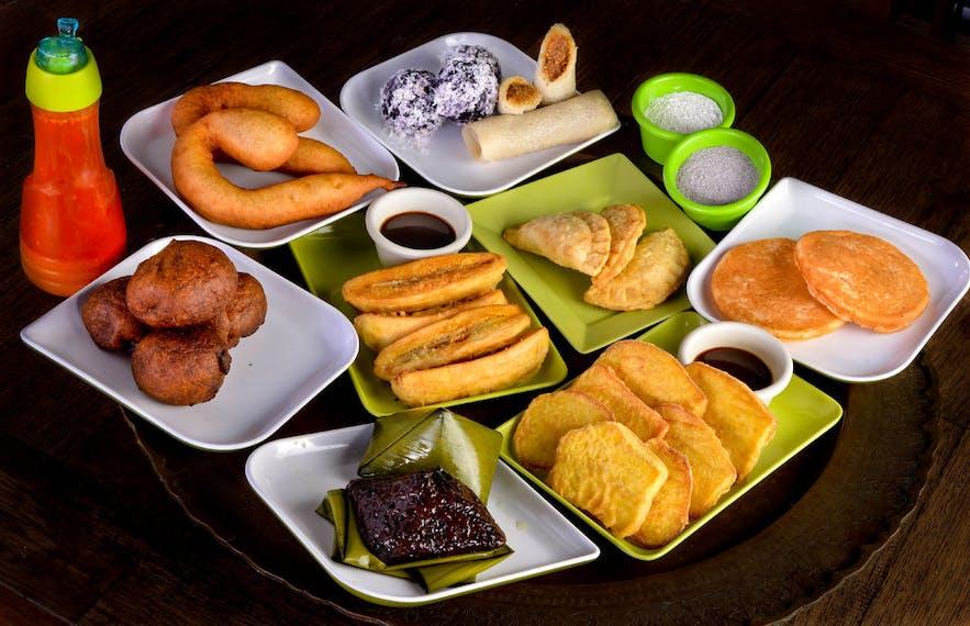 Dennis Coffee Garden's platter of daral, jualan, puhlihmandi, and apam