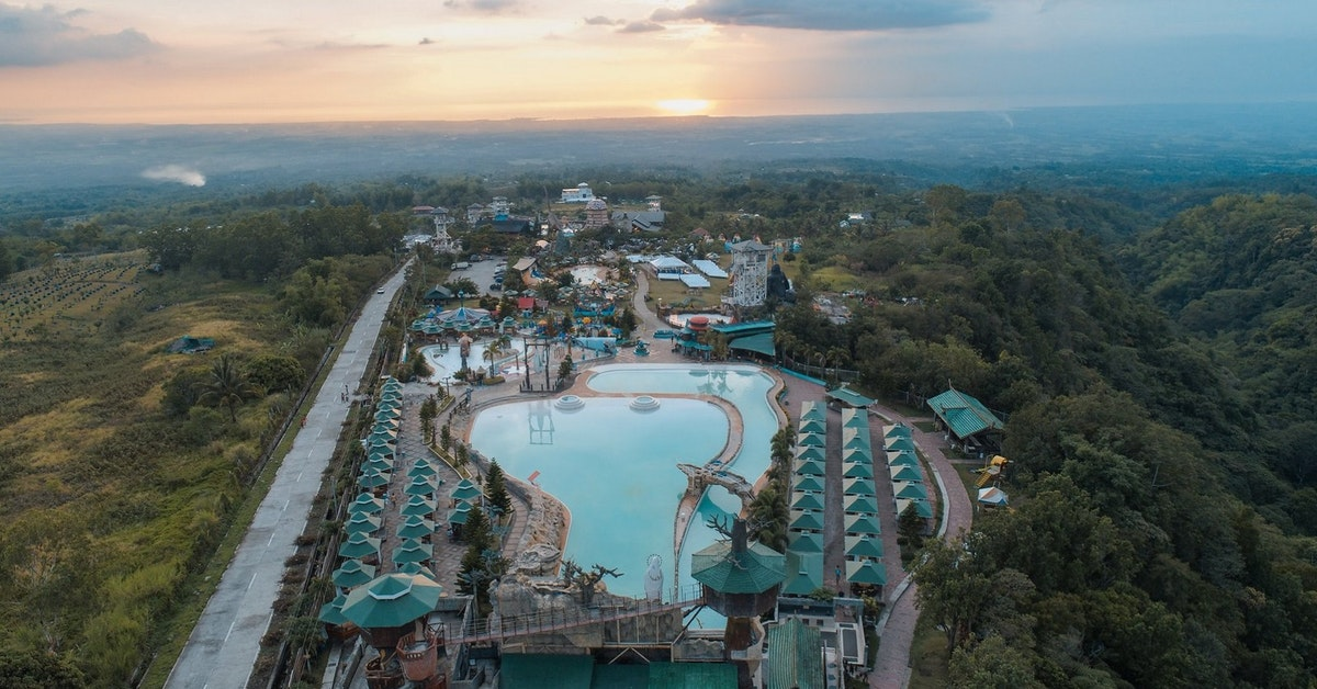 Campuestohan Highland Resort Private Day Tour with Transf...