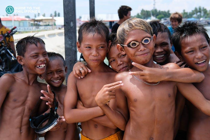 Local kids in Tawi-Tawi, Philippines