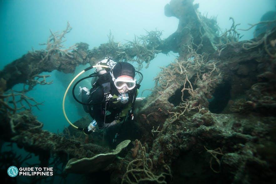 Shipwreck diving in Coron, Palawan