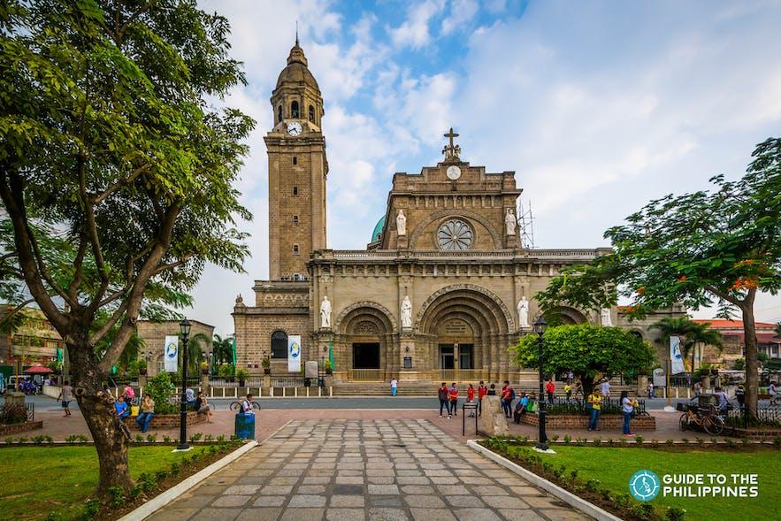 Walking tour around Manila Cathedral in Intramuros
