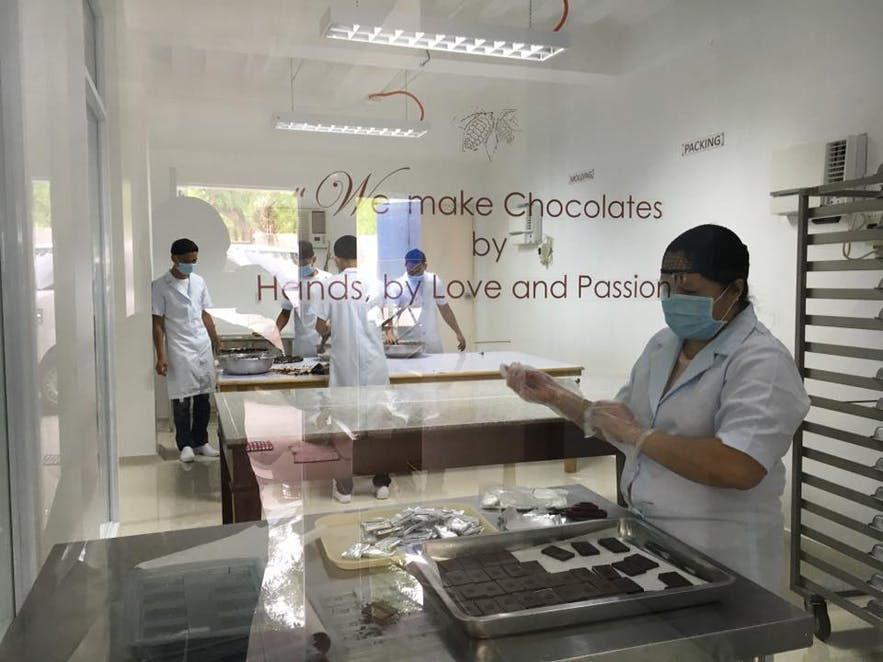 Chocolate production in Dalareich Chocolate House