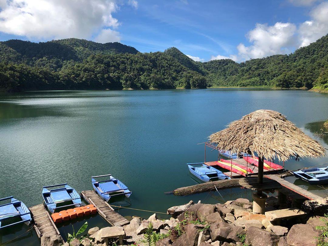 7 Days 6 Nights Dumaguete, Siquijor, Apo Island, Manjuyod Sandbar, Caves & Lakes - day 3