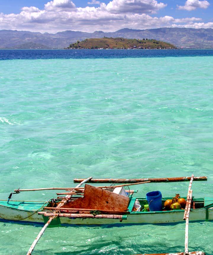 Clear waters of Manjuyod sandbar
