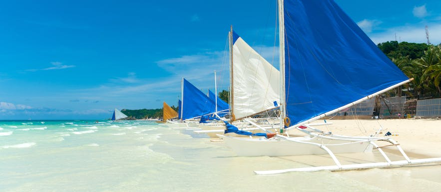 Clear waters and white sands of Boracay, Philippines