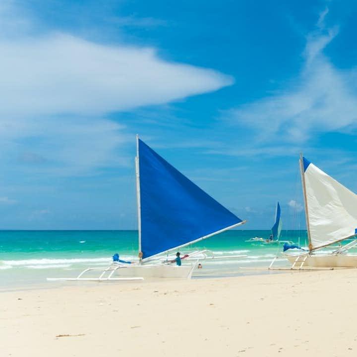 Paraw boats in Boracay