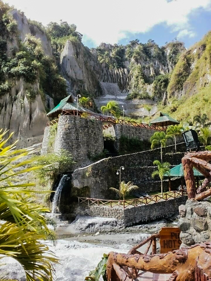 Beautiful view and environment in Puning Hot Spring