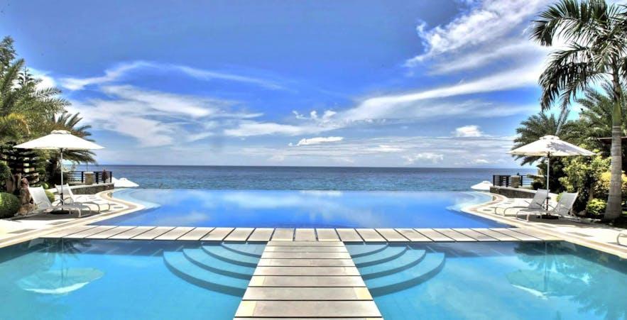Blue skies and waters in Acuatico Beach Resort