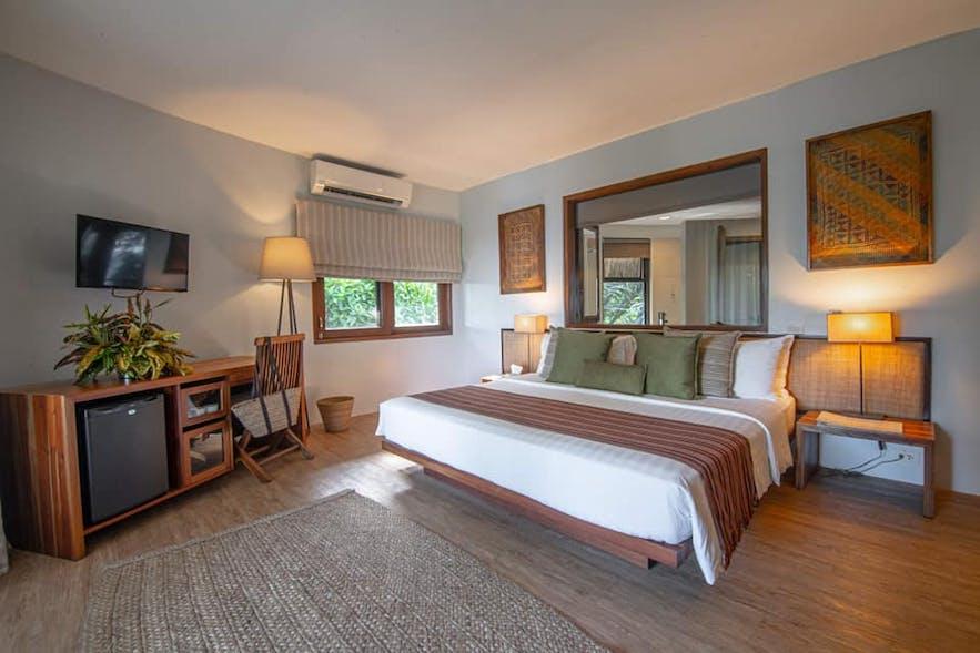 A beautiful room in Amun Ini Beach Resort & Spa