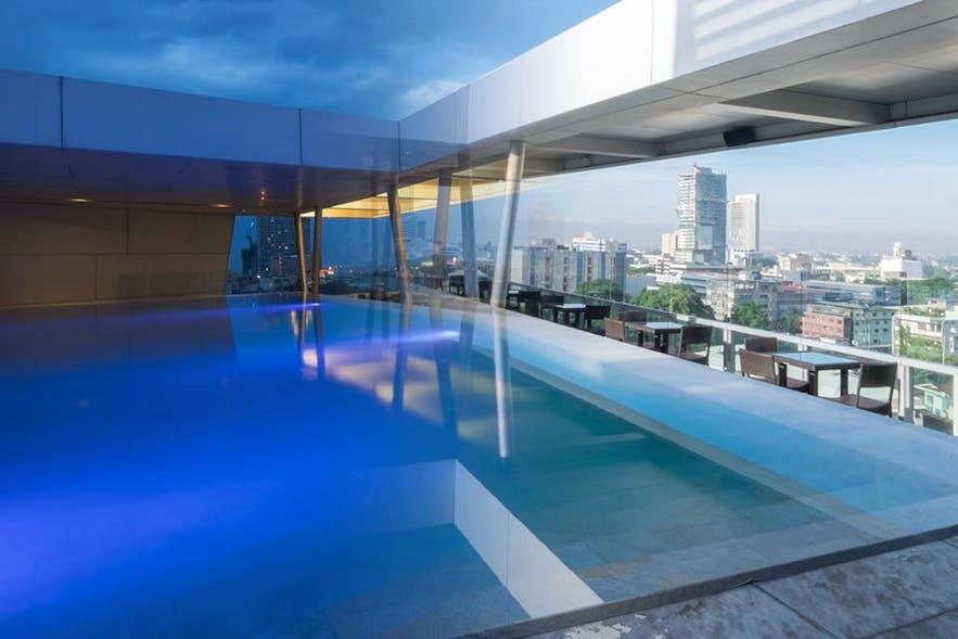 Rooftop pool in Lex Hotel Cebu