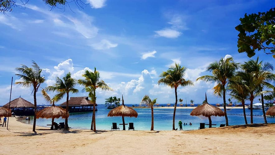 Beach area in Bluewater Maribago Beach Resort